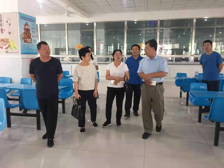 0814自治区疾控中心专家组指导磴口县国家慢性病示范县创建工作 (3).jpg